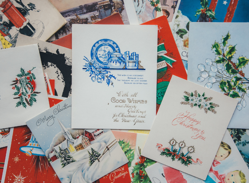 5 tips to help keep your holiday cards festive